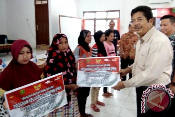 1.206 KPM Barito Selatan Terima Bantuan PKH