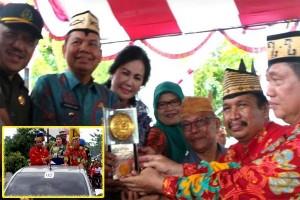 Kapuas Raih Kota Bersih, Piala Adipura Diarak Keliling Kota