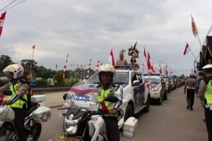 Tarian Dayak Sambut Tim Ekspedisi Merah Putih di Barito Utara