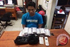 Polisi Tangkap Pengendara Bawa 1.910 Butir Zenith