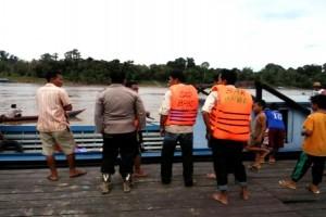 Tim Masih Cari Pedagang Bensin yang Tenggelam di Sungai Barito