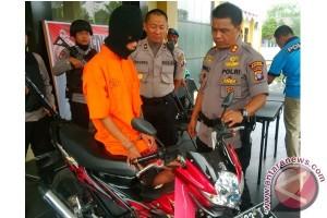 Mencuri Sepeda Motor Kerabat, Frans Ditangkap Polisi