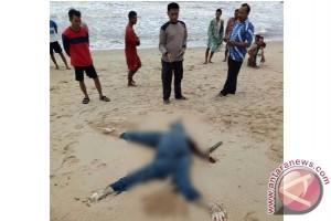 Ditemukan Mayat Tanpa Kepala Terdampar di Pantai Ujung Pandaran