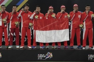 Tim Beregu Bulu Tangkis Indonesia Raih Emas SEA Games