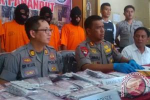 Polisi Amankan 3.000 Pil Zenith Dari Tangan Pengedar