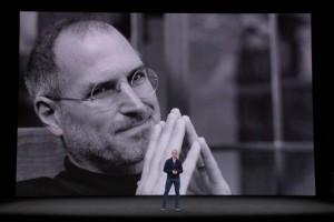 10 Tahun iPhone, Tim Cook Kenang Steve Jobs