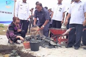 Bupati Gumas Laksanakan Peletakan Batu Pertama Pembangunan Desa Relokasi