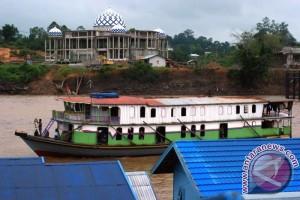 Sungai Barito Sudah Bisa Dilewati Kapal dan Tongkang