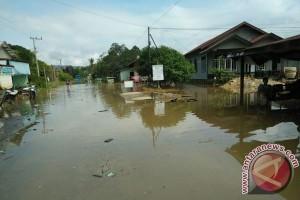 Hujan Deras Akibatkan Banjir di Napoi dan Tewah Gunung Mas