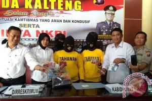 "Polisi Bongkar Praktik Prostitusi Online Melalui Aplikasi ""Bee Talk"" di Palangka Raya"