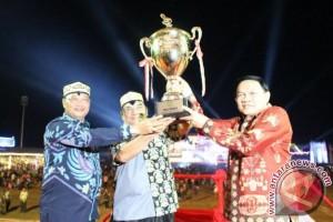 Selamat! Palangka Raya Pertahankan Juara Umum Pesparawi XVI Kalteng