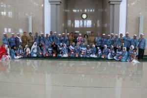 Wabup Pulang Pisau Sambut 50 Haji Warganya yang Tiba Selamat