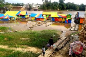 Debit Air Pedalaman Sungai Barito Kembali Surut Kapal Terganggu