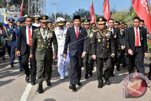 Presiden Berjalan Kaki