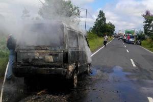Ini Kronologis Mobil Carry Terbakar  di Desa Tanjung Taruna