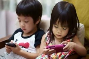 Ternyata! Anak-anak di Hong Kong Habiskan Waktu 2 Jam per Hari dengan Bermain Gawai