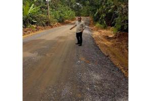 Pemkab Barut Perbaiki Jalan di Lahei Barat