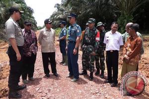 Salut! Tim Pengawasan TMMD Puji Kekompakan TNI dan Masyarakat Seruyan