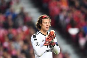 Berkat Blunder Kiper Benfica, Manchester United Menang