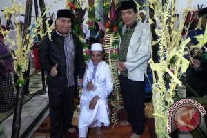 Tradisi 'Manuyang Anak' Disambut Antusias Masyarakat Sampit