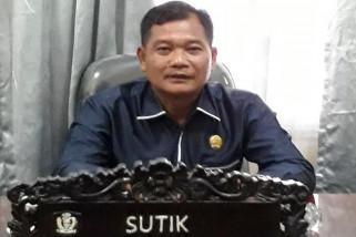 Legislator Kotim: jangan urus KTP-el melalui calo