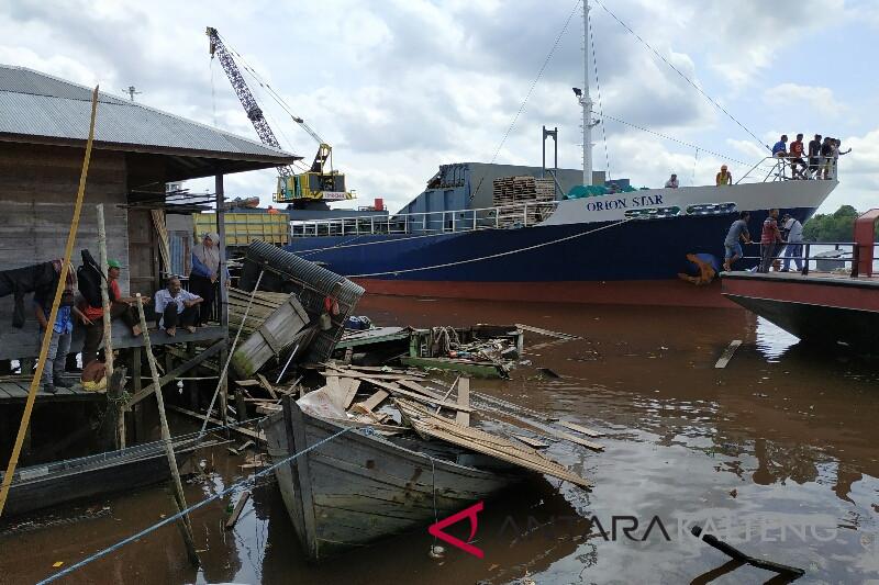 Pasir tongkang Terang 301 diduga hasil curian
