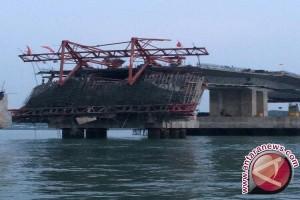Gubernur: Kontraktor Harus Ganti Jembatan Dompak