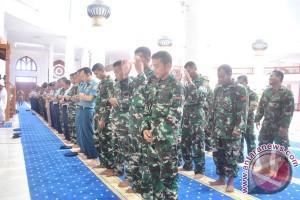 TNI di Natuna Lakukan Shalat Minta Hujan