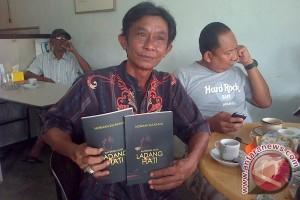 Penyair Lingga Lahirkan Buku Ladang Hati