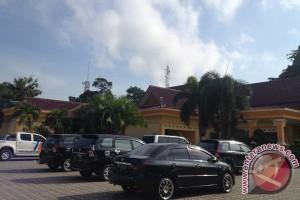 Bupati Kesal Halaman Rumah Dinas Parkiran Mobil