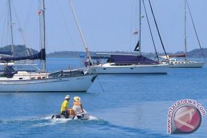 Yachter Minati Titik Labuh Perahu Layar Lingga