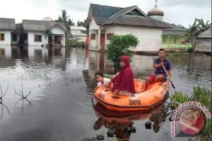 Seorang Warga Tersengat Listrik saat Banjir