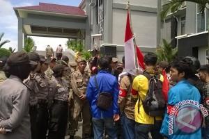 Mahasiswa Demo Soal Parkir