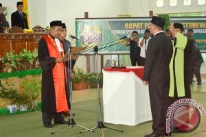 Ketua DPRD Lingga Defenitif Resmi Dilantik