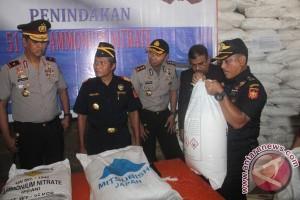 BC Kepri Tangkap Kapal Selundupan Bahan Peledak