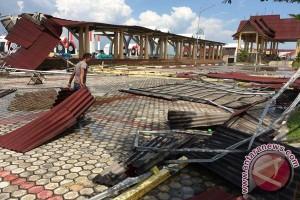 Coastal Area Karimun Rusak Disapu Puting Beliung