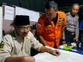 Gubernur Kepri Nurdin Basirun menerima laporan insiden pompong tenggelam di posko tanggap darurat