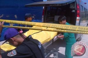 Kantong Mayat Korban Pesawat Jatuh