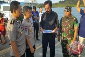 Gubernur Ajak Nelayan Cari Korban Pesawat Polri
