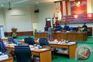 Lima Fraksi Sepakati Ranperda Inisiatif DPRD Lingga