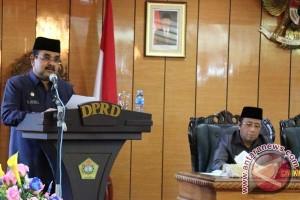 Bupati Karimun Sampaikan Nota Keuangan RAPBD 2017