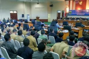 Bupati Lingga Sampaikan 3 Ranperda ke DPRD