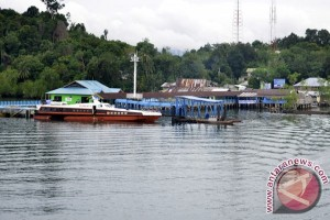 Bupati Lingga Minta Parkir Pelabuhan Jagoh Dibenahi