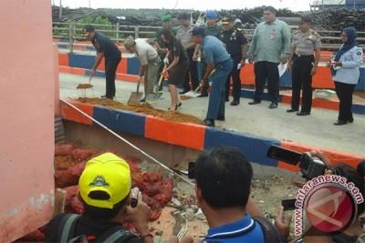 BC Kepri Musnahkan 5.436 Karung Bawang Selundupan