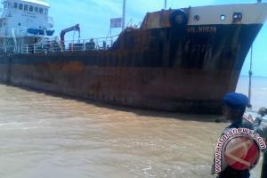 Tanker Terdampar di Batam Dari Perairan Bebas