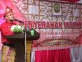 Sambutan Wali Kot Tanjungpinang Lis Darmansyah dalam acara penyerahan insentif RT/RW. (foto: Istimewa)