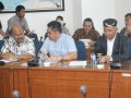 Beberapa anggota pansus sedang mengikuti rapat dengan DPRD Provinsi Jawa Timur. (foto: Humas DPRD Kepri)