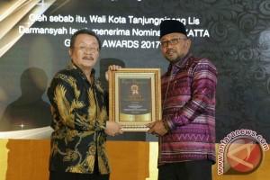 Wali Kota Tanjungpinang Terima Yokatta Awards