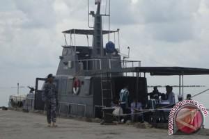 Warga Pulau Serasan Minta Posal Kembali Ke Lanal Ranai