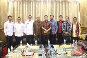 Studi Banding Pansus Pajak DPRD Kepri
